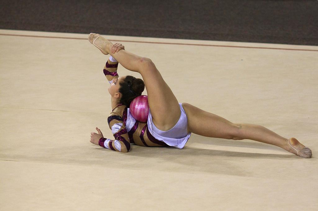 гимнастика лесбиянки тех, кому